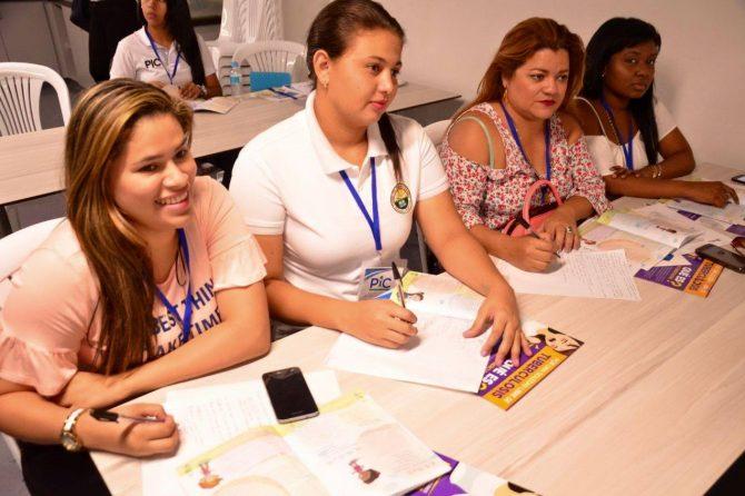 Capacitamos a 30 madres comunitarias y Fami del Bienestar Familiar y los CDI
