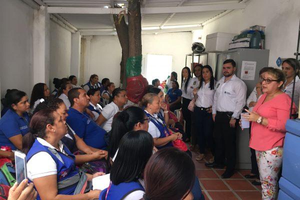 Vacunadoras de la ESE en encuentro cercano con la Gerente