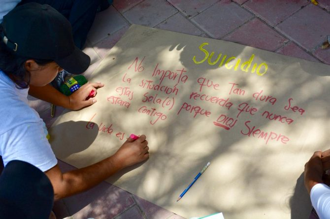 Hospital Materno realiza actividades para concientizar a los jóvenes sobre el suicidio