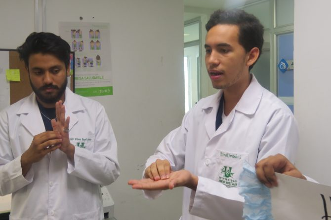 Estudiantes de Unisimón Bolívar dictan charlas sobre lavado de manos