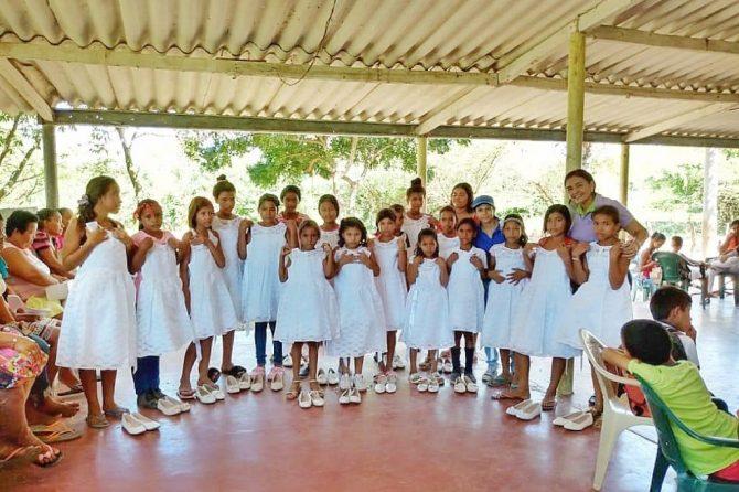 La ESE Hospital Materno infantil, llego repartiendo alegría a los niños de Cabica.